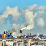 Una imagen donde se enfoca la cotaminación de la ciudad